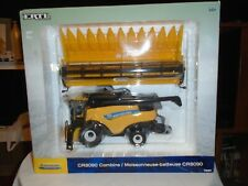 NEW HOLLAND CR8090 1/32 SCALE COMBINE Diecast Age 14+ ERTL 13830