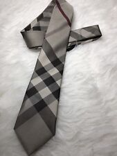 NWT Authentic Burberry Classic Plaid Pattern Mens NECK TIe In Khaki & Grey Color