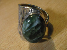 925 STERLING SILVER GREEN SERPENTINE OVAL SOLITAIRE ADJUSTABLE RING (9 UPWARDS)