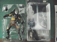 "NECA 7"" Wolf Predator Masked"