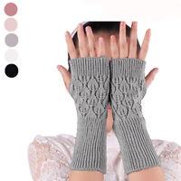 les femmes mesdames la mode l'hiver chaud les doigts des gants l'automne en