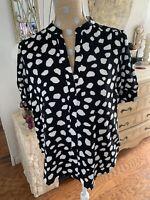 NWT $69.50 Ann Taylor Loft Black White Short Sleeve Blouse V Neck Med