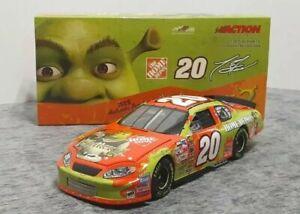 TONY STEWART #20 HOME DEPOT / SHREK 2  2004 ACTION NASCAR DIECAST 1:24 SCALE