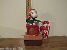 Hallmark 2011 Snoopy Peanuts Band Wireless Band Member Defect on Neck Area