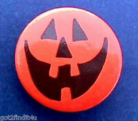 Hallmark BUTTON PIN Halloween Vintage PUMPKIN SMILEY Face JOL Holiday Pinback