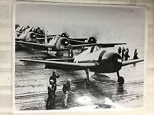 ww2 photo press Des avions de la Marine américaine , la baie de Manille 44  A126
