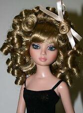 Long Curly Blond Wig Size 6-7  Ellowyne Evangeline Kish Tonner - Charmaine