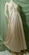 Vintage JC Penny Peignoir Set Flowing Sexy Plunging V Neck w/Geometric Accents