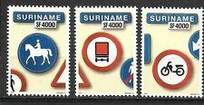 Rep. Suriname - 3 zegels Traffic Verkeersborden 2003/04
