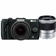 Near Mint! Pentax Q10 with 5-15mm and 15-45mm f2.8 Black - 1 year warranty