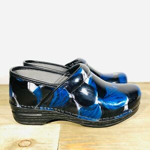 "Dansko Pro XP ""Blue Hibiscus"" 39 Womens 8.5-9 Black / Blue Clogs"