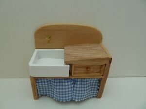 Dolls House Kitchen Furniture Miniature 1:12th Old Fashioned Wooden Pine Sink