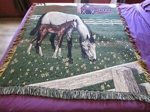 "MWW 1995 VTG Woven Fringe Tapestry Throw Blanket: Horse W/Colt, Barn Yard 70X45"""