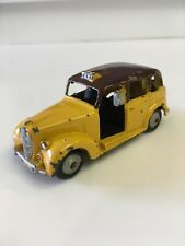 Dinky Toys Mecanno Austin Taxi No 40H 1951 Yellow Made in United Kingdom