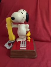 SNOOPY AND WOODSTOCK VINTAGE (RARE) 1976 PHONE - PUSH BUTTON MADE IN USA