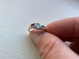 Gorgeous 9 carat yellow gold aquamarine and amethyst 3 stone ring size Q 2.2gram