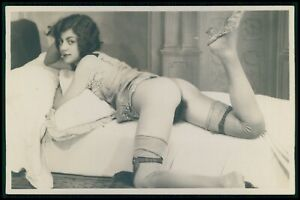 French nude hairy woman in bed Grundworth original vintage c1925 photo postcard