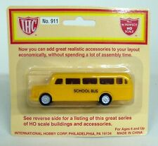 IHC 1/87 HO Scale - 911 1940'S Style Bus School Bus Sealed on card Model Bus
