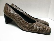 STUART WEITZMAN Snake Embossed Leather Pumps Size 10 1/2 AAA NEW Made in Spain