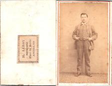 Leroy, Andelys, Homme en costume à petits carreaux Vintage CDV albumen carte de