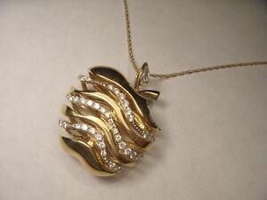 Marvelous Estate 18K Yellow Gold Diamond Big Apple Pendant Necklace