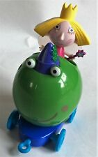 BEN & HOLLY'S LITTLE KINGDOM – HOLLY & BEN FROG PUSH-ALONG VEHICLE / PLAY SET