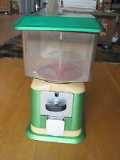 Space-iger Kaugummi Automat