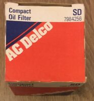 Vintage AC Delco Compact Oil Filter SD 7984256 Free Shipping