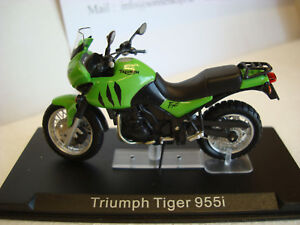 Triumph Tiger 955 I 2002 Green 1:24 Altaya Top Model