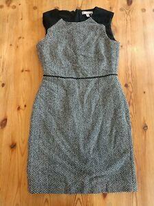 Banana Republic sleeveless sheath dress size 4 Black & white herringbone pattern