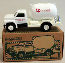 DTE 1:34 ERTL COLLECTIBLES # 19525 DYERSVILLE FORD PROPANE TANK TRUCK NIOB
