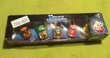 2001 ~ Muscle Machines ~  Exclusive  Xmas Cars ~  NEW SEALED
