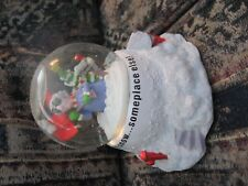 s snow globe remains in excellent condition.