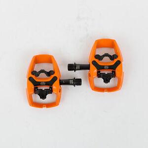 iSSi Flip III Pedals -Single Side Clipless with Platform Aluminum 9/16 Orange