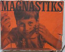 JEU MAGNASTIKS Meilleur jouet de construction magnétique de 1962 rare