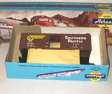 HO Scale Athearn SP Southern Pacific Hydra-Cushion Single Door Box Car #127433