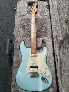 Fender Limited Edition American Professional Stratocaster HSS Roasted Daphne Blu