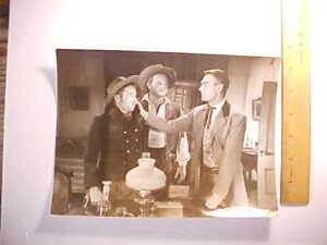 1953 RANDOLPH SCOTT COWBOY MOVIE WARNER BROTHERS NEWS PHOTOGRAPH W/ CAPTION