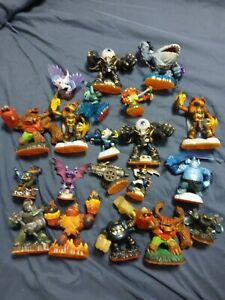 Skylanders Figures w/Bag Huge Lot of 20