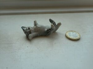 CAT - BEAUTIFUL MINIATURE POTTERY GREY TABBY CAT - ROLLING ON BACK, PLAYING