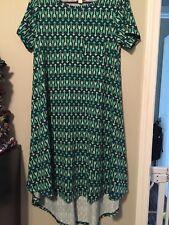 LulaRoe Green Arrows Carly Dress Size XS (NWOT)