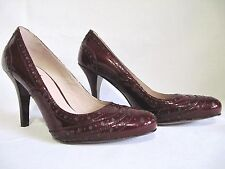JOAN AND DAVID SIZE 7M BURGANDY PATENT LEATHER HEELS - WEDDING PROM OFFICE