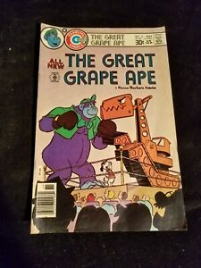 1976 Charlton Comics Bronze Age THE GREAT GRAPE APE Cartoon TV Comic Book # 2