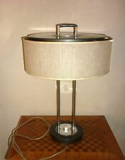 Lampe à poser design et vintage tole metal ( Alain Richard , Hala Zeist ... ? )