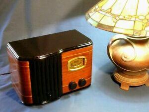 Stunning Aria 593 AM Wood Radio - a Rare Addition to any Radio Collection