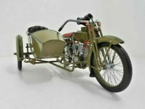 1917 Harley-Davidson motorcycle 3 speed V-twin 1:6 scale model w sidecar boxes