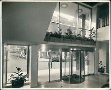 Revolving Interior doors. Unknown building. London photographers. (ZO.6)