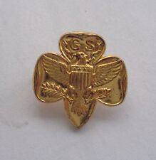 GIRL SCOUTS UNITED STATES  LAPEL BADGE