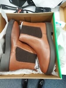 Schuh Claudia Leather Chelsea Boot Size 6