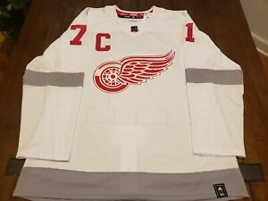 Detroit Red Wings Reverse Retro Jersey Adidas #71 Dylan Larkin Size 52/LG